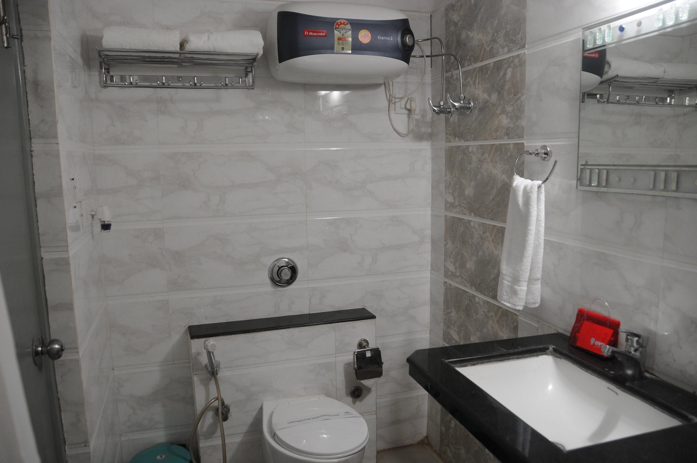 OYO Rooms Bailey Road Near Paras HMRI