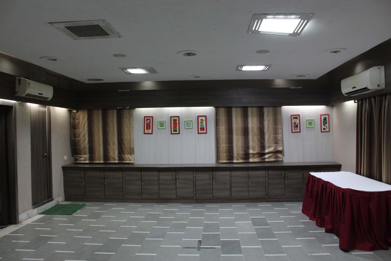 OYO Rooms Daily Market Main Road