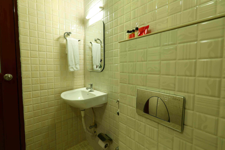 OYO Rooms Kallar Waterfalls