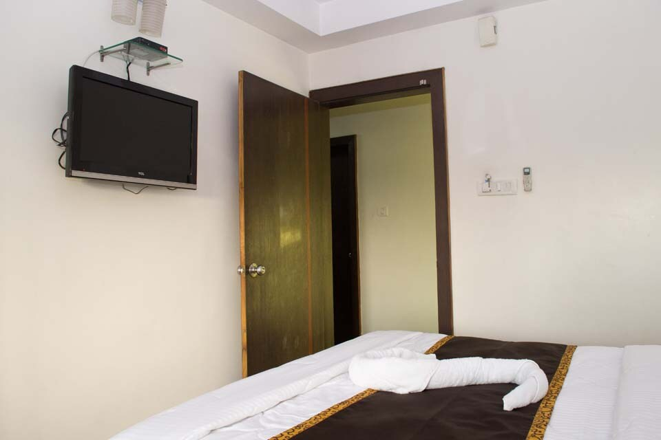 OYO Rooms Link Road
