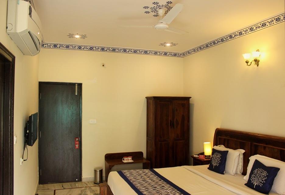 OYO Rooms Udai Vilas Road