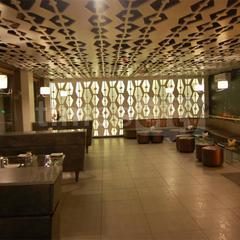 21 West Bar & Grill