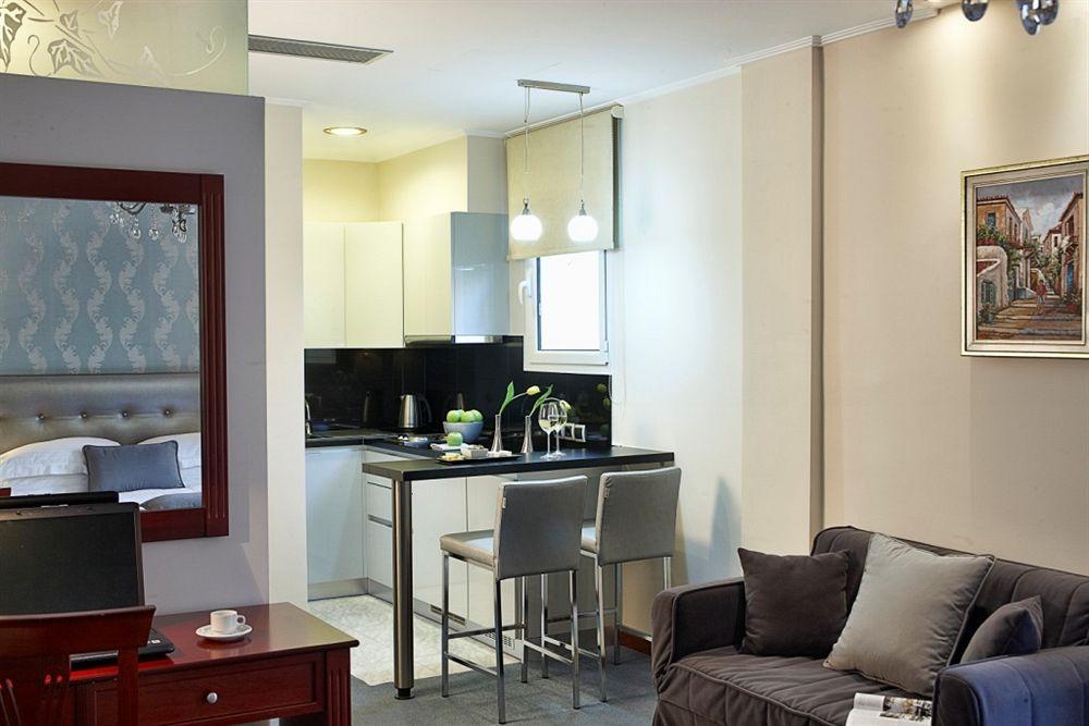 AVA Hotel, Apartments & Suites