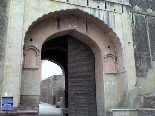 Bhatner Fort