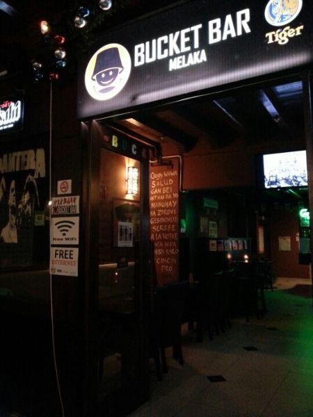 Bucket Bar
