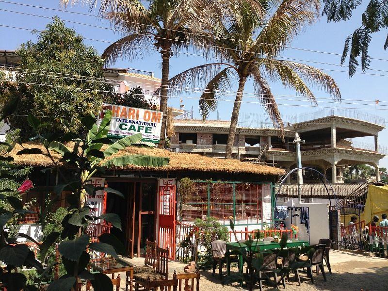 Hari Om Cafe