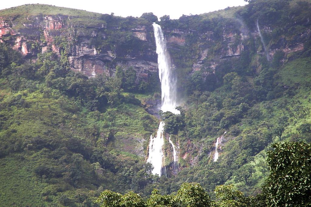 Kallahati Falls