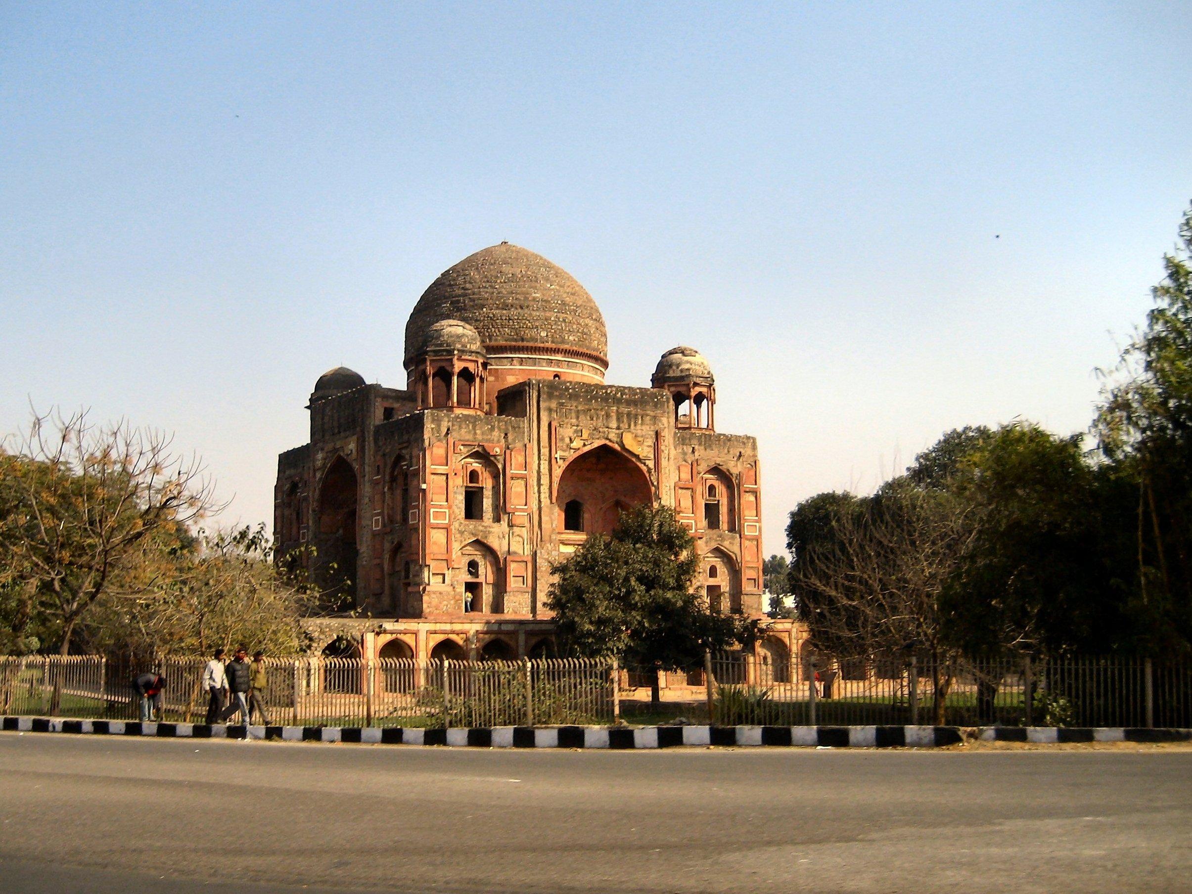 Khan-i-Khana Tomb