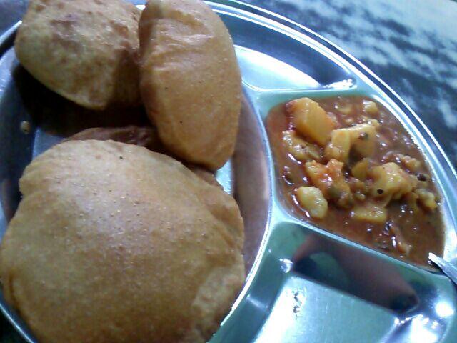 Madhur Milan Cafe