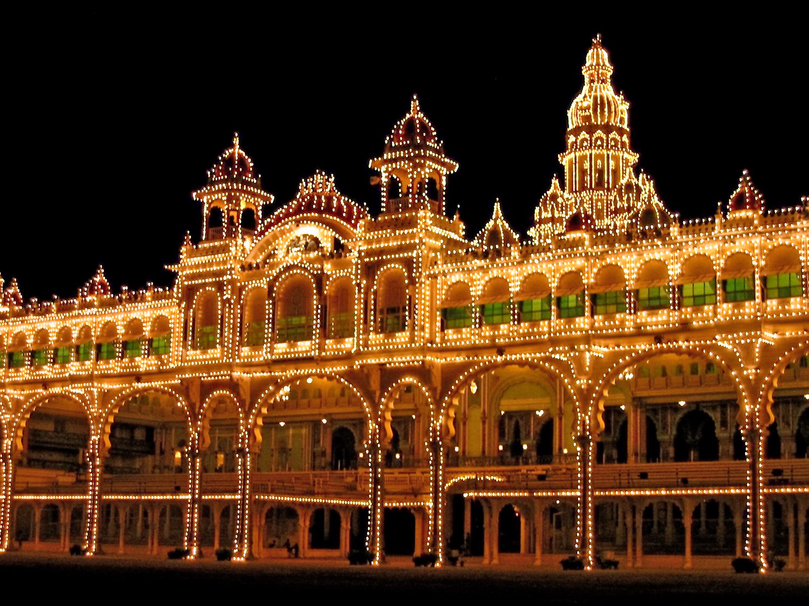 Maharaja's Palace at night