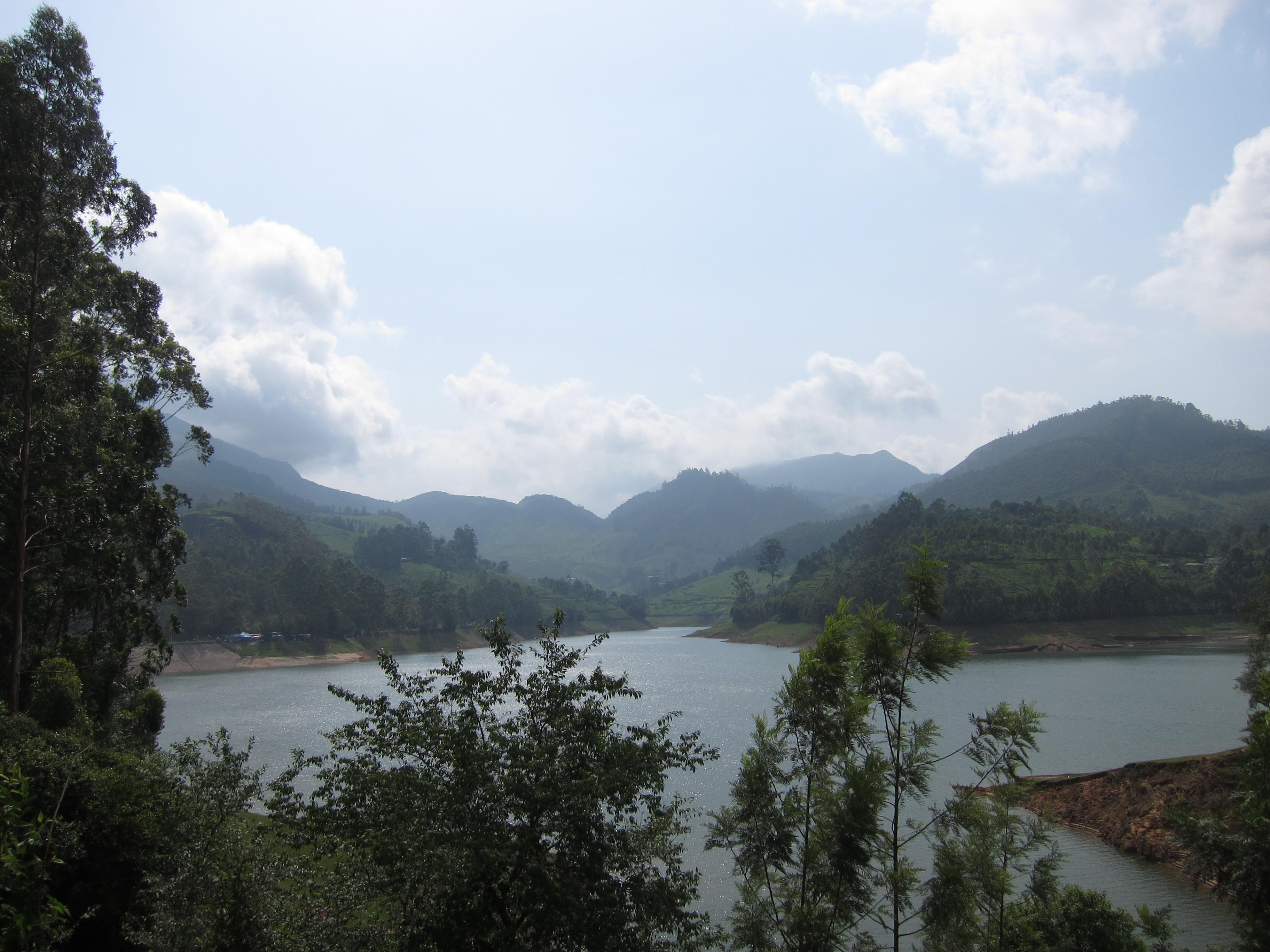 Mattupetty Lake, Devikulam