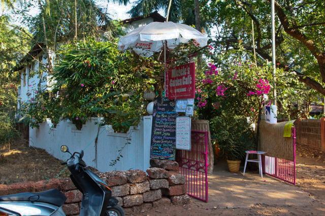 Michele's Garden Cafe - La Vie en Rose