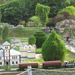 NeverEnuf Garden Railway