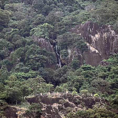 Olakaruvi Falls
