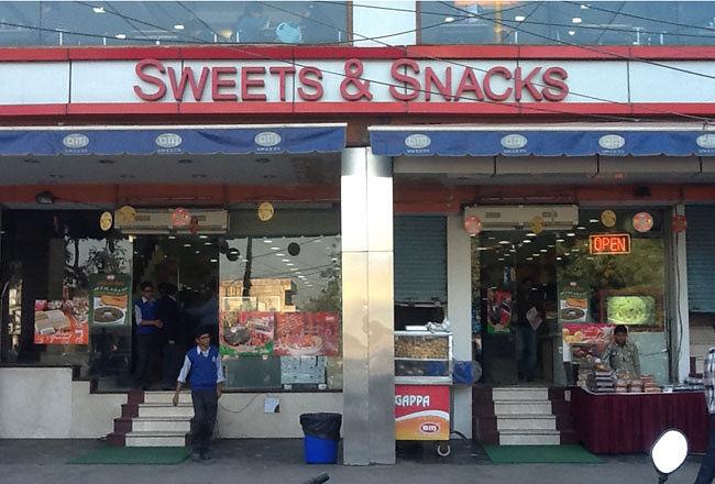 Om Sweets & Snacks