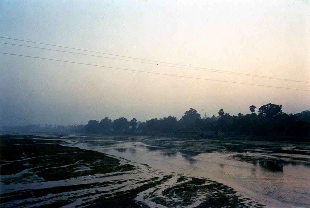 Phalgu River Ghats