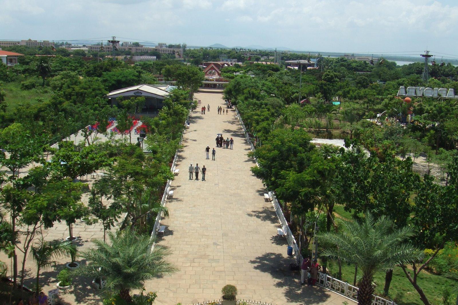 Queens Land Amusement Park