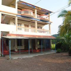 Sahyadri Tourist Home