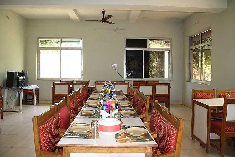 Restaurant at United-21 Jungle Resort