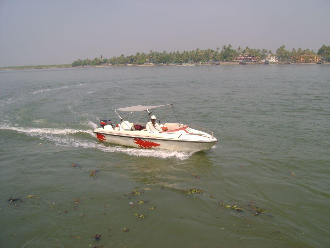 Speed Boating at Fateh Sagar Lake
