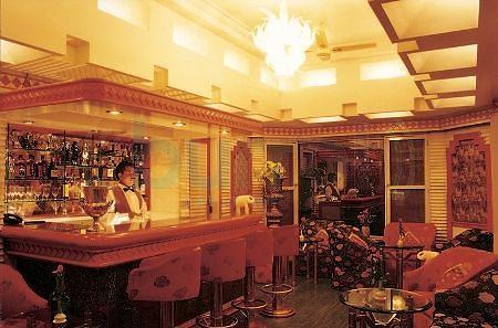 Surahi Bar