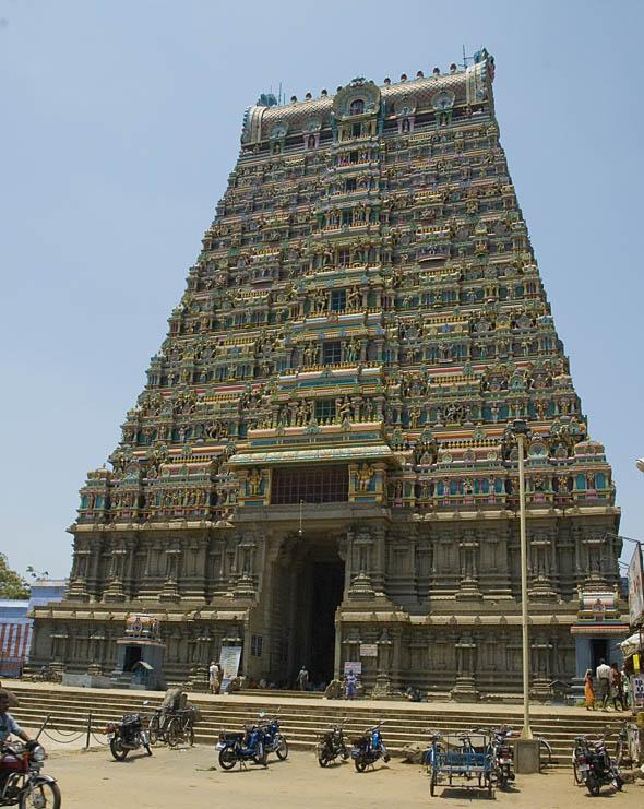 Ulagamman Temple Kovil Tenkasi