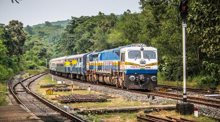 Train Punctuality slips from 80% to 65% .. Here's what we know about it!
