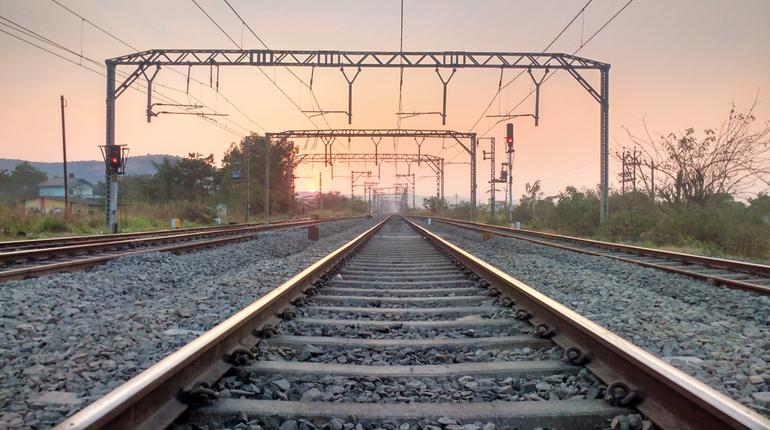 Planning a trip on a Sunday? Get free meal in case of train delay