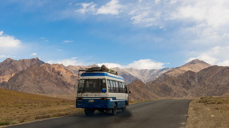 5 Scenic Bus Routes in India You Can't Afford to Miss