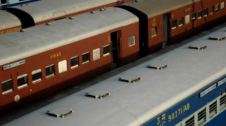 40 'Clone' Trains from Today: Fewer Stops, Higher Speed; 8 Key Points to Know