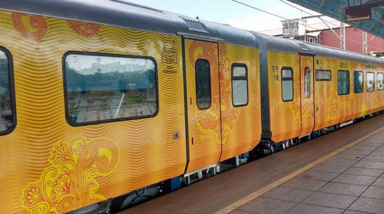 IRCTC Tejas Express: Railways to Resume India's 1st Private Train on These Routes