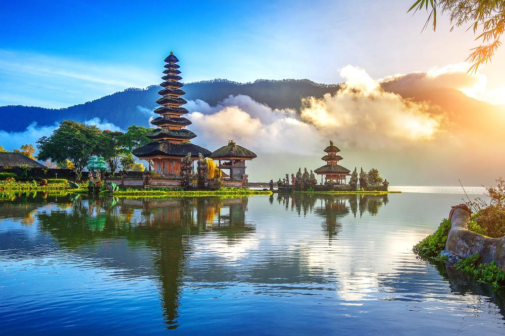 Hong Kong to Bali flights