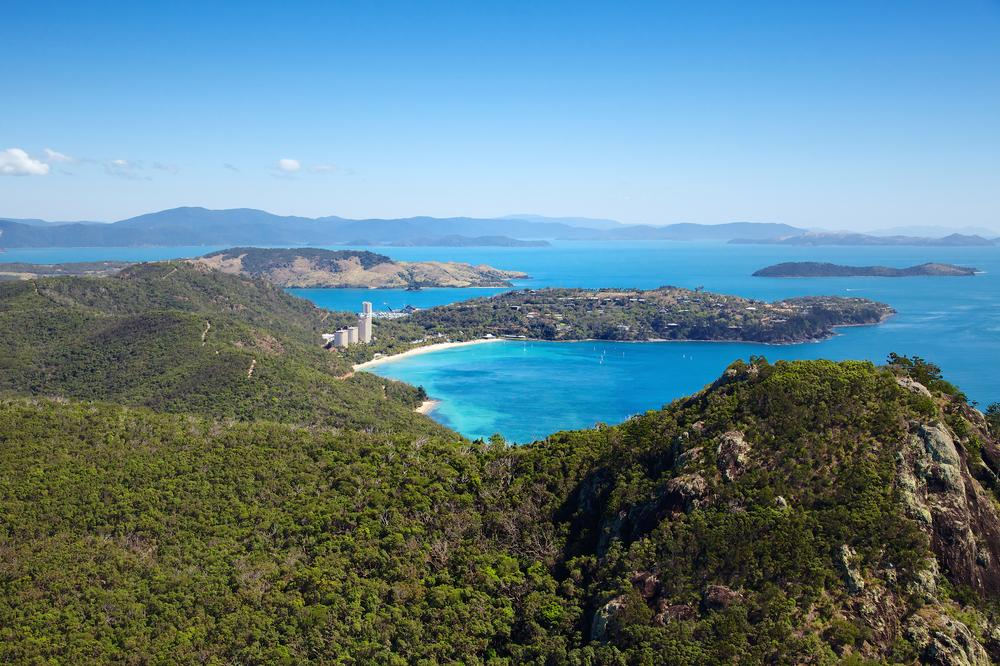 Sydney to Hamilton Island flights