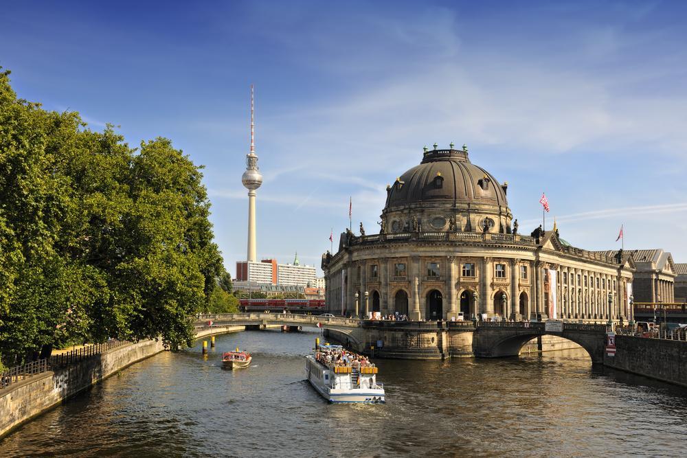 Paris to Berlin flights