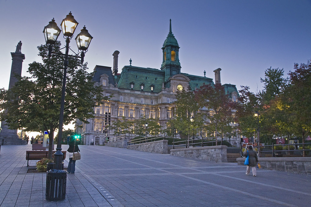 New Orleans to Montreal flights