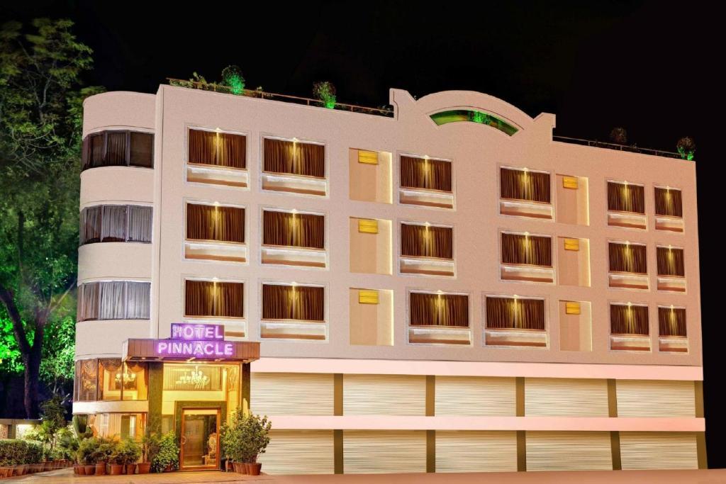 Hotel Pinnacle in Ahmedabad