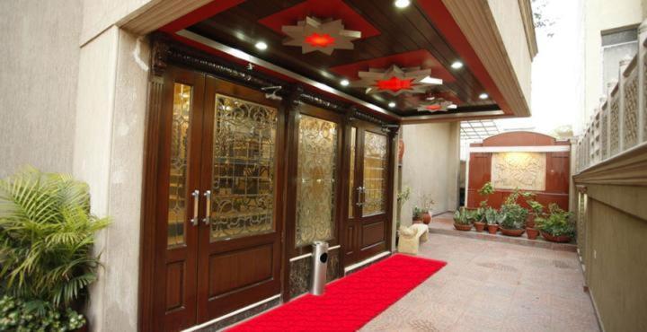 Star Grand Villa in New Delhi