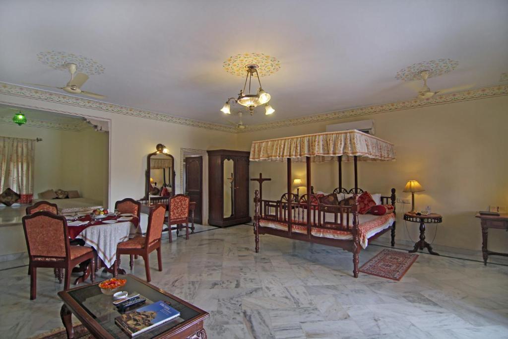 Amar Mahal in Orchha