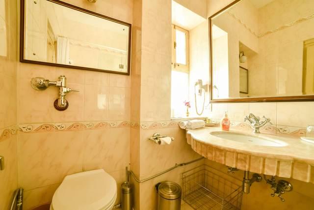 Qik Stay@ Hotel Karni Bhawan in Jodhpur