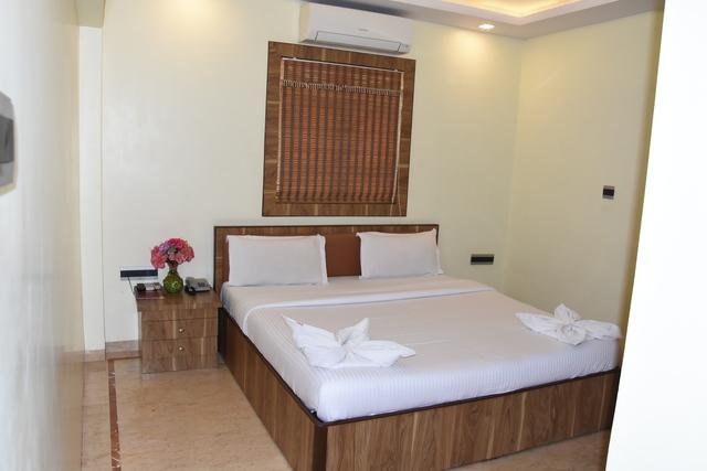 Hotel Benzy Palace in Mumbai