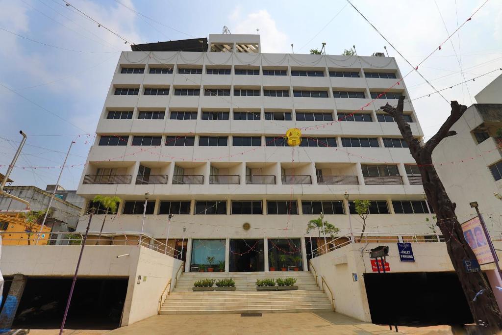 Hotel Surya in Vadodara