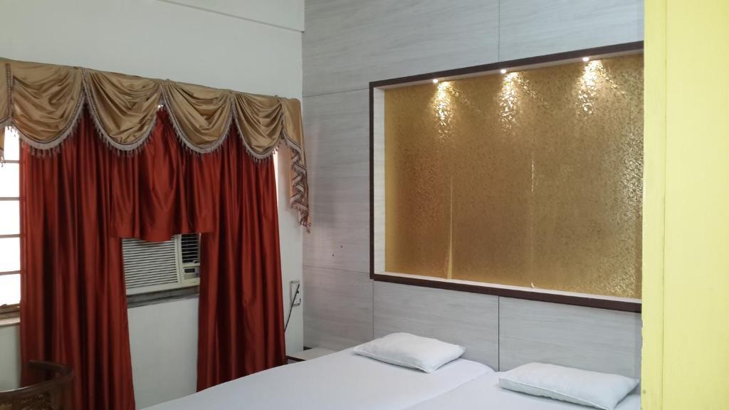 Hotel Rupasi Bangla in Kolkata