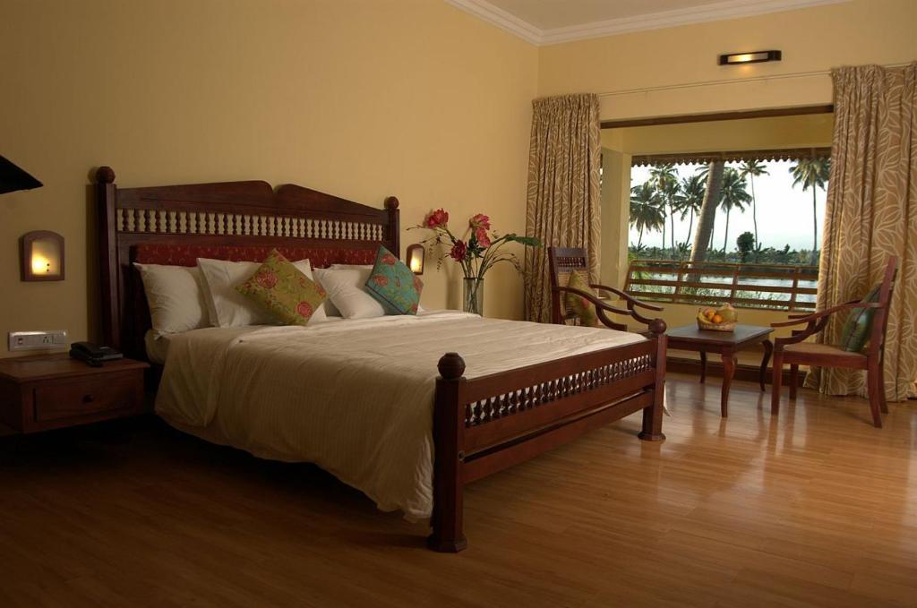 Manor Backwater Resort in Kumarakom