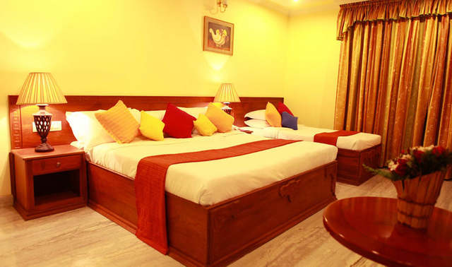 Hotel Grand Seasons in Cochin