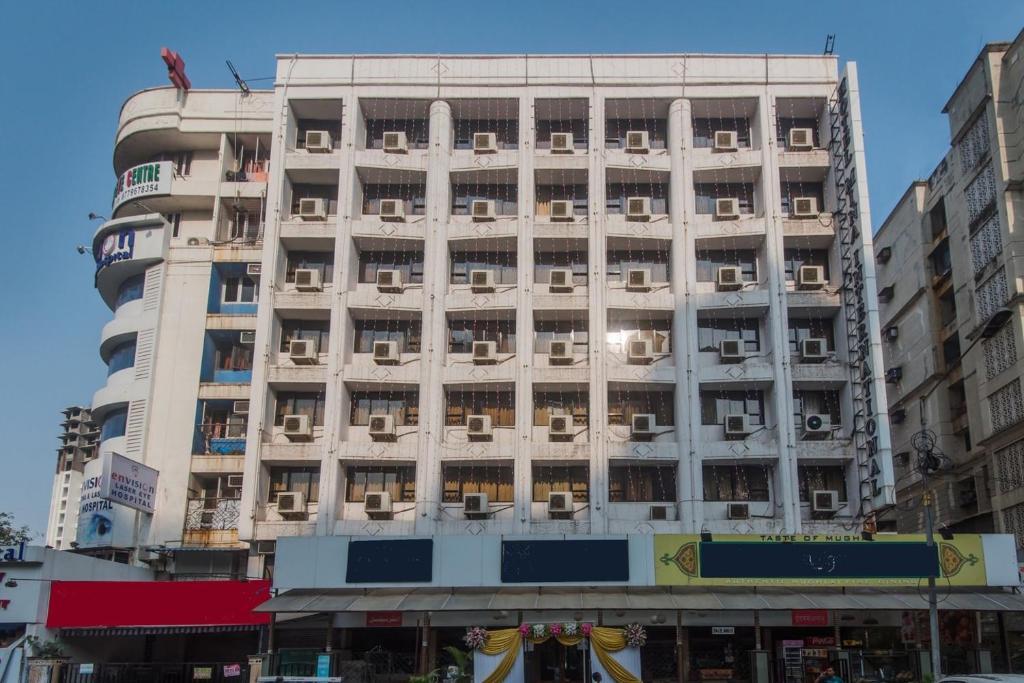 Hotel Mina International in Mumbai