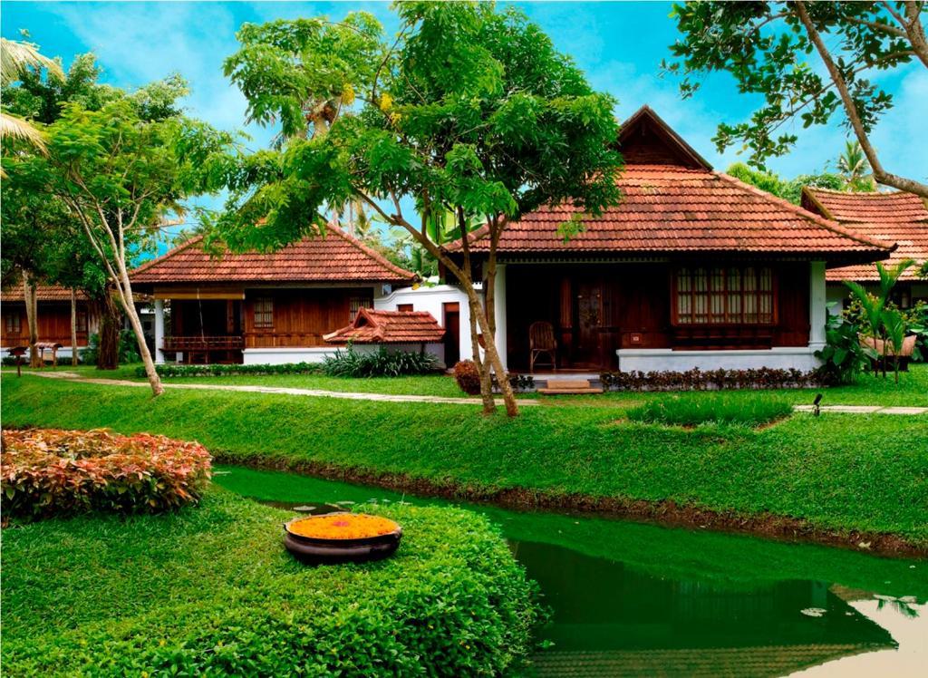 Kumarakom Lake Resort in Kumarakom