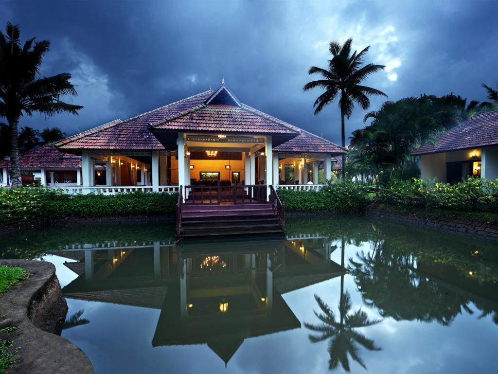 Abad Whispering Palms in Kumarakom