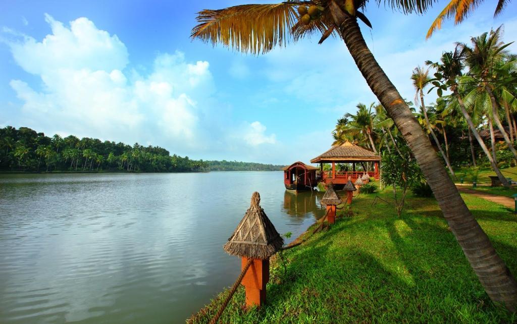 Fragrant Nature Lake Resort & Spa in Kollam