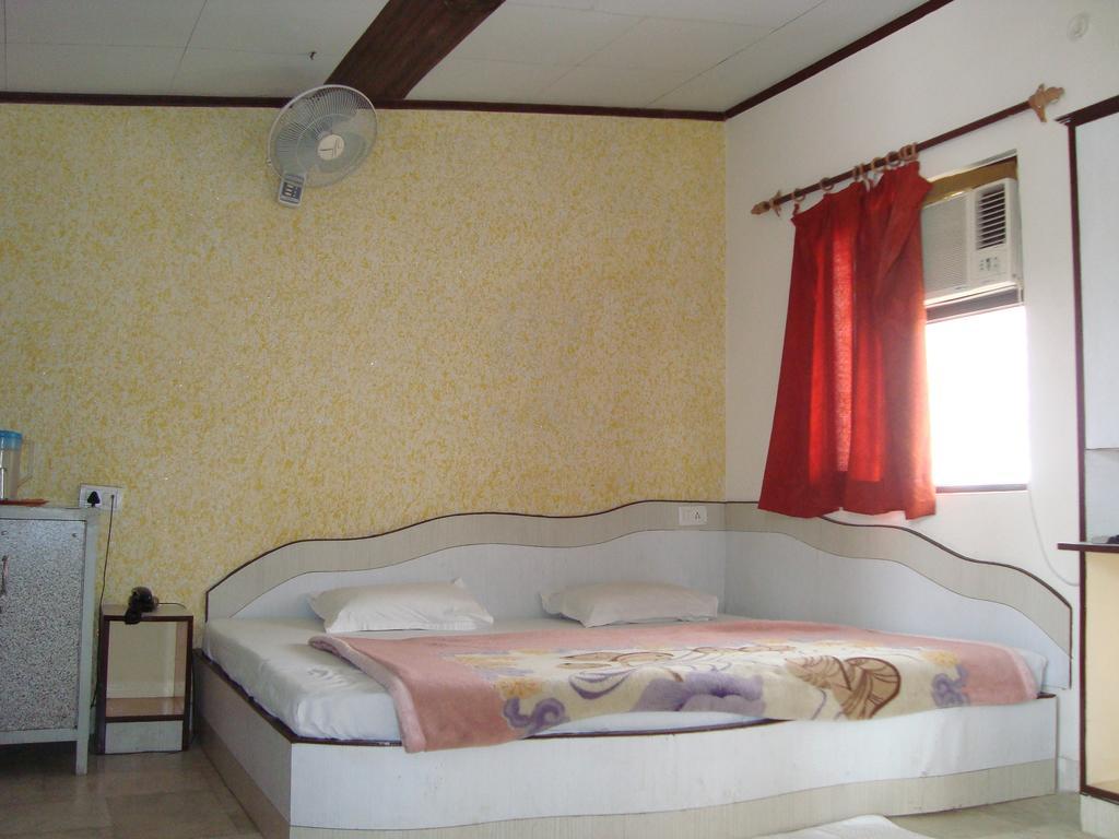 Hotel Dawat Palace in Agra