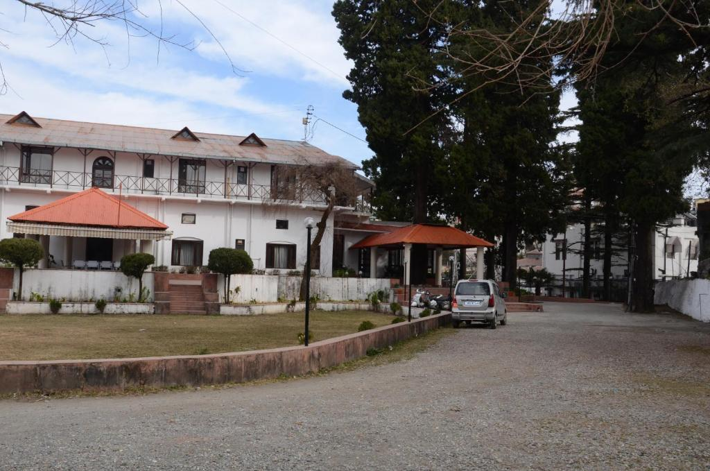 Hotel Connaught Castle in Mussoorie